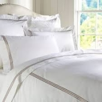 title='Luxury Embroidered Hotel Bed Linens'