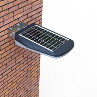 1000 Lumens Remote Control Solar Courtyard Light
