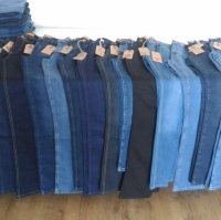title='Jeans'