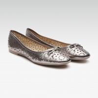 Women Solid Ballerinas With Laser Cuts