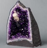 Amethyst Geodes Or Chapel