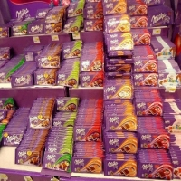Milka All Flavours Raspberry, Caramel, 100g