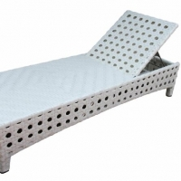 Poly Rattan Sunbed With Cushion